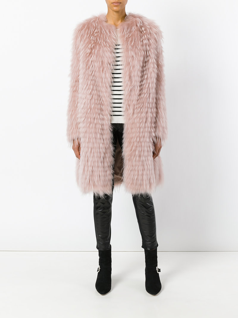 Пальто - шуба средней длины прямого покроя с длинным ворсом